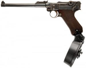 Luger-P08ArtilleryWDrum