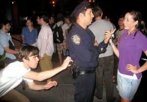 flirting cop loses gun