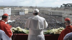 pope blessing crowd in st peters square